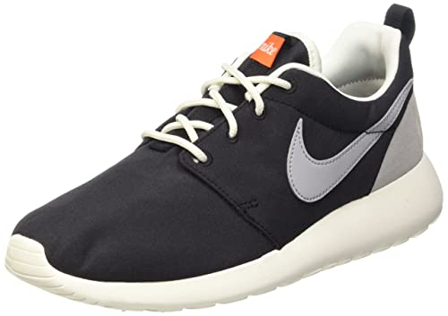 Nike Women s Wmns Roshe One Retro Indoor Multisport Court Shoes 1fbdec203bde