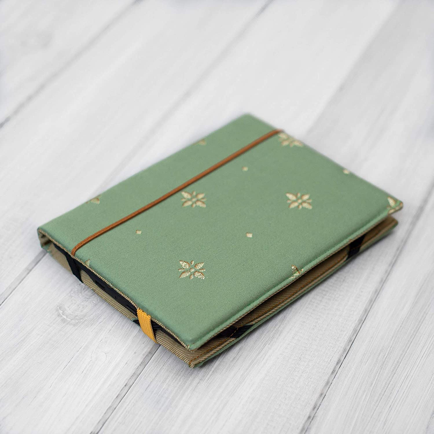 eReader green and gold Hardcover Kindle/Paperwhite / Voyage/Touch / all Generations/case ebook cover handmade in UK New 2018 design