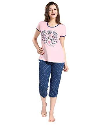 b4857e9ea5 AV2 Women Cotton Top   Capri Nightwear Loungewear Set  Amazon.in ...