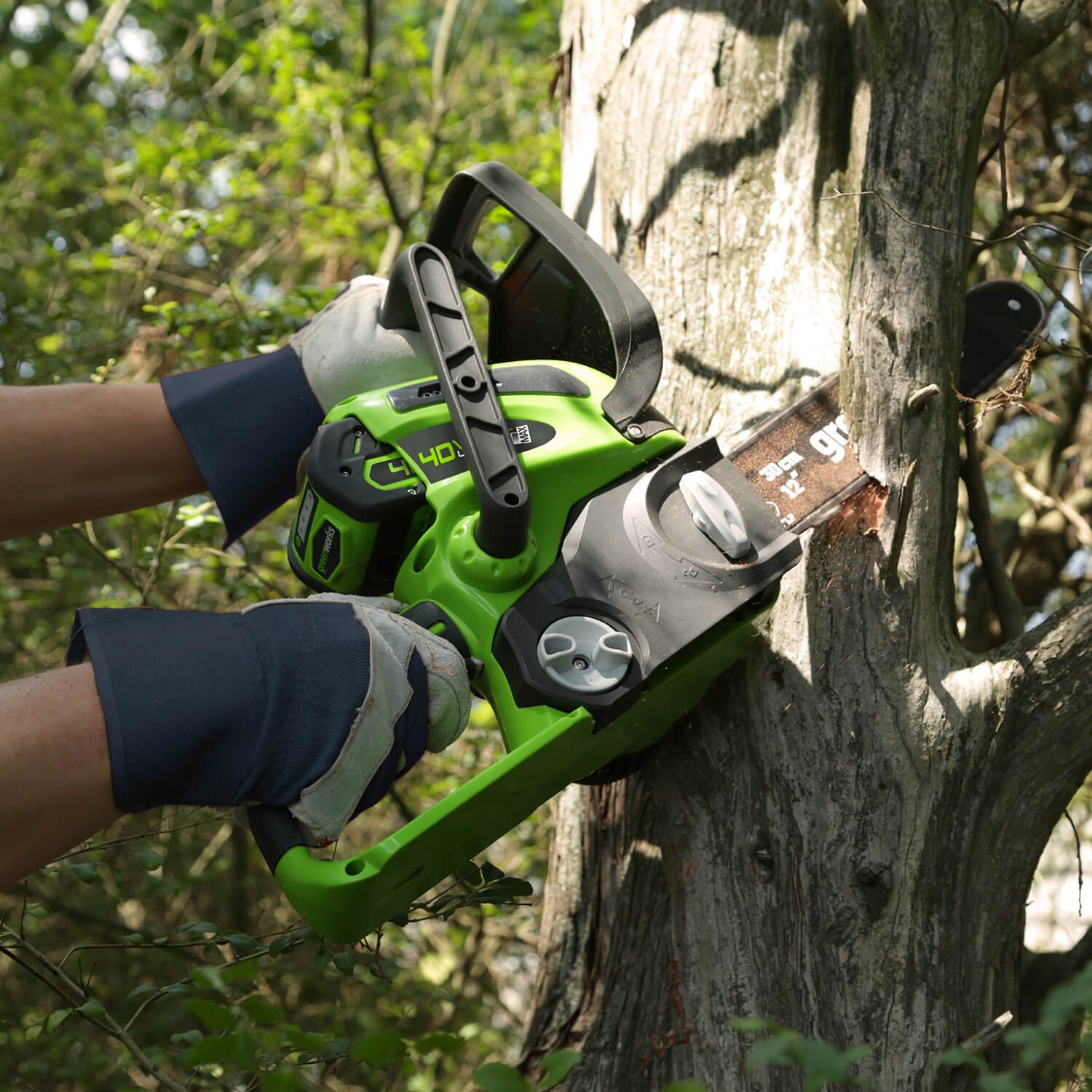 Greenworks 12-Inch 40V Cordless Chainsaw, Battery Not Included 20292 by Greenworks