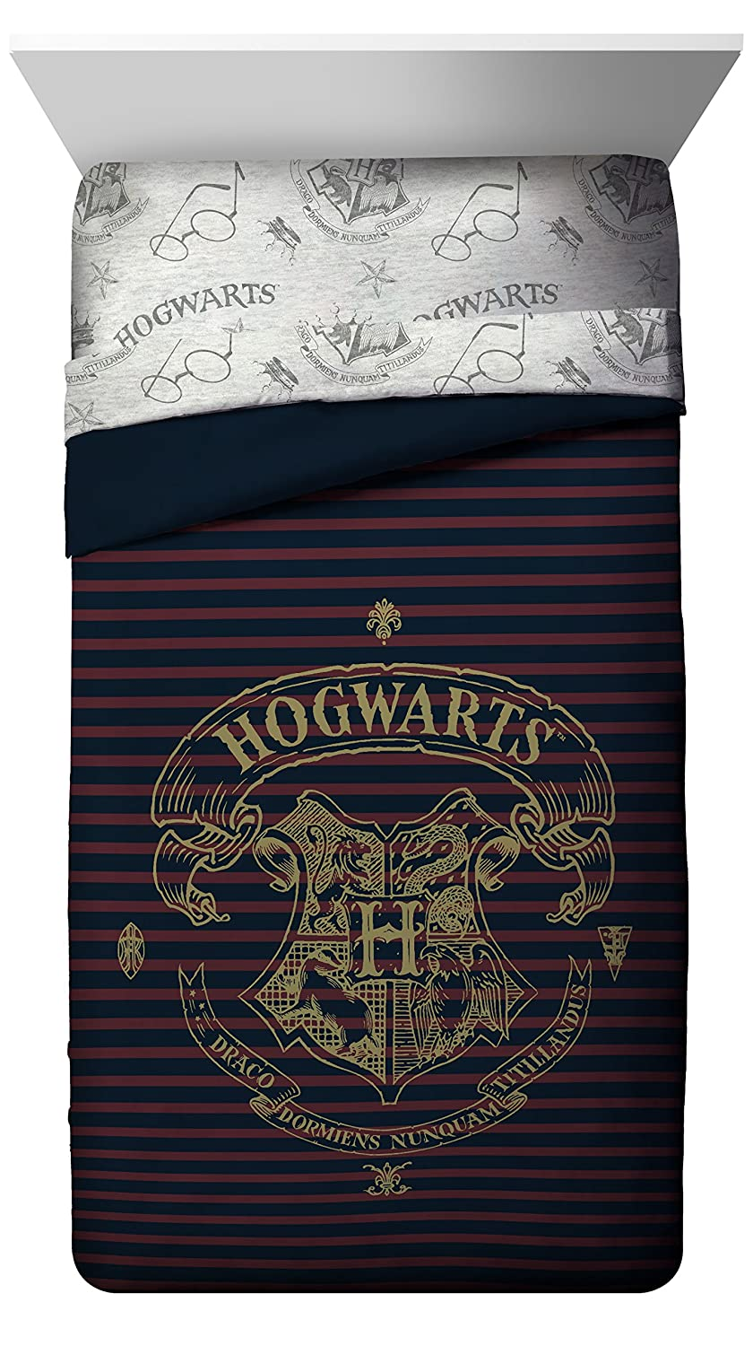 Jay Franco Harry Potter Spellbound Twin/Full Comforter - Super Soft Kids Reversible Bedding Features Hogwarts - Fade Resistant with Gold Foil (Official Warner Brothers Product)