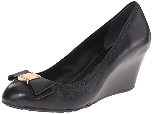 f9351f988b9 Cole Haan Women s Tali Grand Bow Wedge Pumps  Amazon.ca  Shoes ...