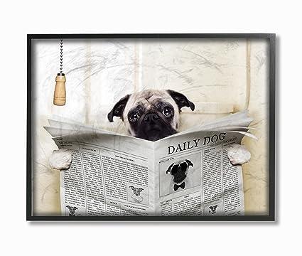 Stupell Industrias leyendo el periódico Pug en cuarto de baño gran ...