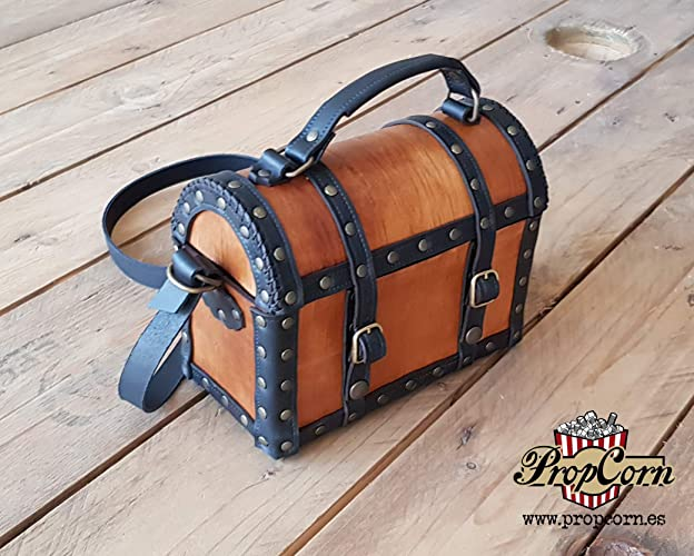 cadae016eb1b97 Amazon.com: Pirate Chest Leather Bag - treasure Chest purse - Larp and  Cosplay ideal for pirate costumes and everyday use: Handmade