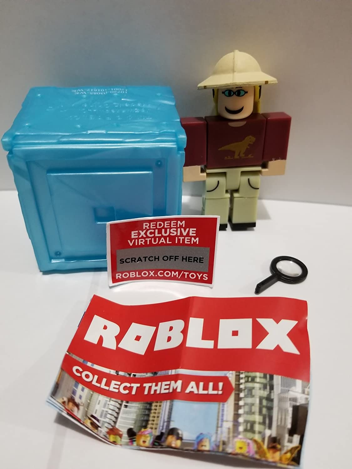 Roblox Toys Code Amazon Com Roblox Series 3 Dinosaur Simulator Paleontologist Action Figure Mystery Box Virtual Item Code 2 5 Toys Games