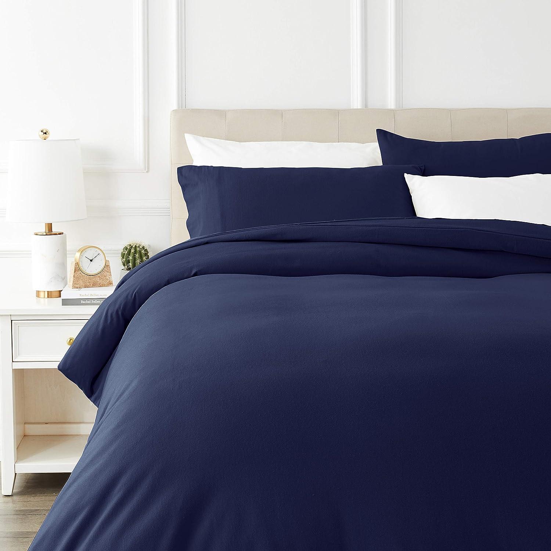 AmazonBasics - Juego de cama de franela con funda nórdica - 230 x 220 cm/50 x 80 cm x 2, Azul marino