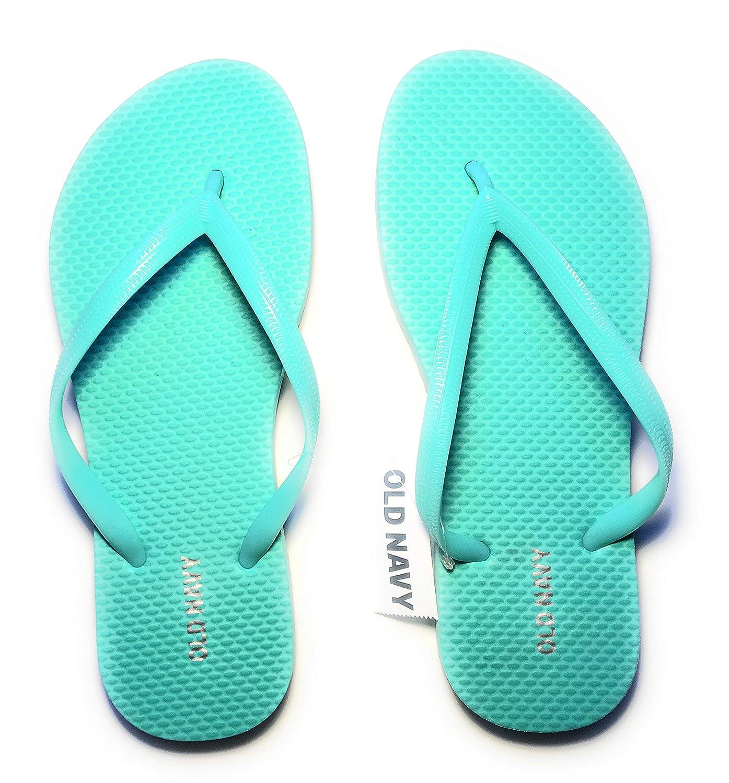 d71b04ee890 Amazon.com  Old Navy Women Beach Summer Casual Flip Flop Sandals  Clothing