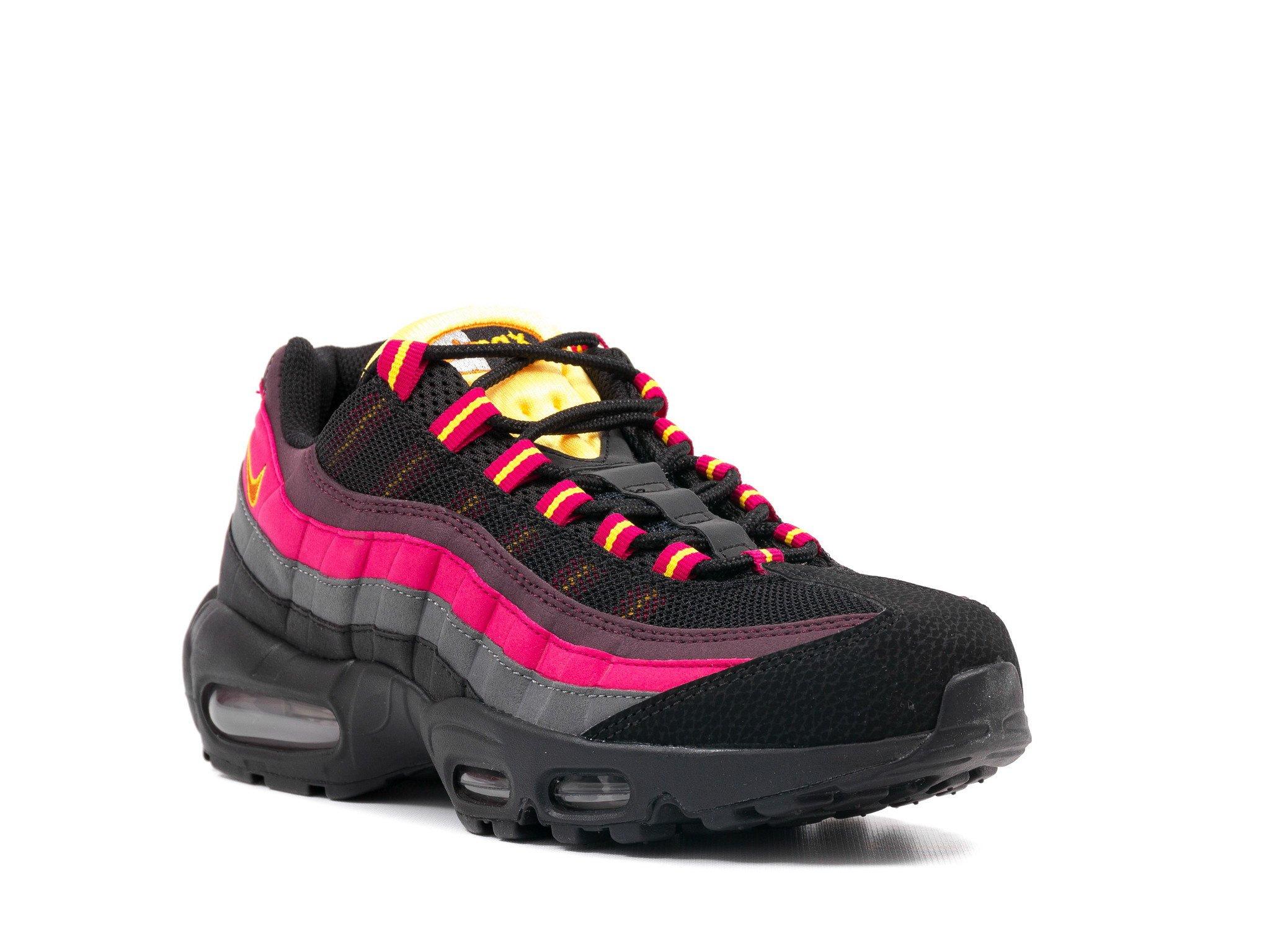 Nike Air Max 95 Men's Sneakers In Black/Tuscan Rust-Laser Orange (609048-083)