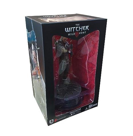 Dark Horse Deluxe The Witcher 3: Wild Hunt: Geralt Figure Toy Figures at amazon