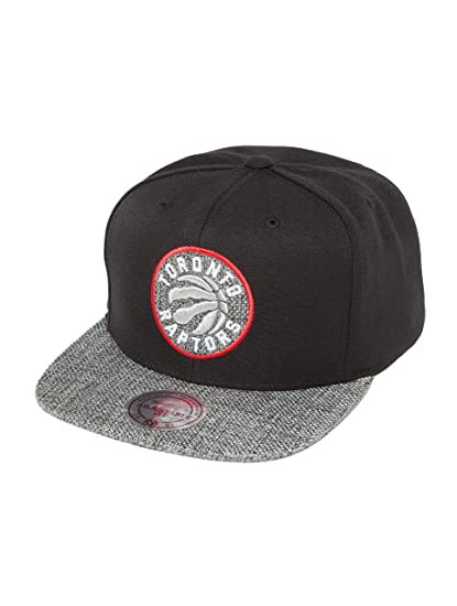 12e538f80a0ffb Mitchell & Ness Men Caps/Snapback Cap Woven TC NBA Toronto Raptors Black -  494911 Adjustable: Amazon.co.uk: Clothing
