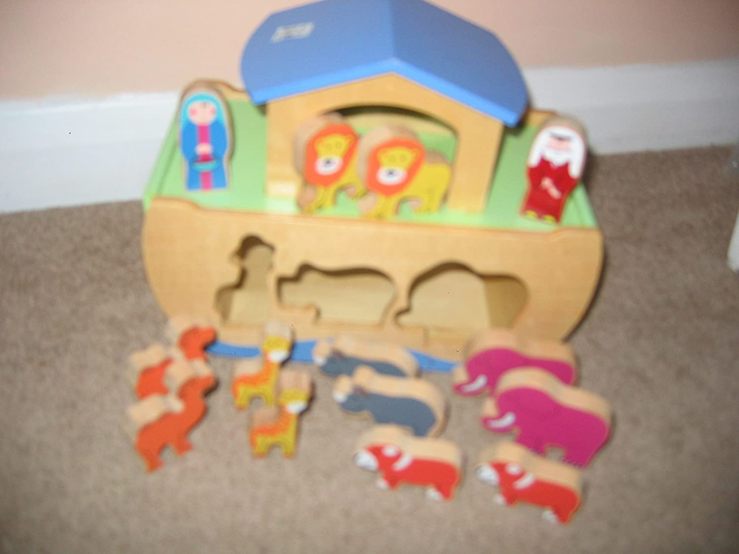 NOAH'S ARK & ANIMALS SHAPE SORTER