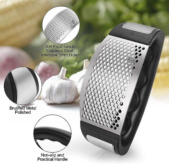 Senhai Spremiaglio in acciaio INOX per alimenti utensile da cucina con pela-aglio e spazzola in silicone