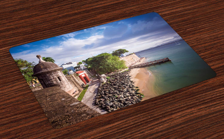 Colchonetas de Puerto Rico, área costera con edificios antiguos ...