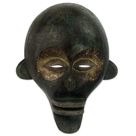 Amazon.com: NOVICA decorativo madera Congo Zaire Máscara ...