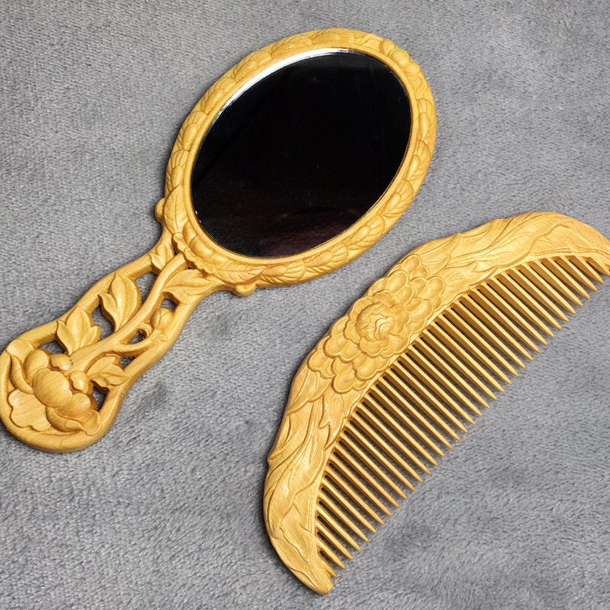 Warm Van Vintage Classical Gift Box Wood Mirror and Comb Set, Give Girlfriend Mom Relatives a Special Birthday Treasures