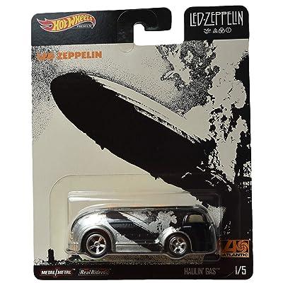 Hot Wheels Haulin Gas 1/5, Black/Silver: Toys & Games