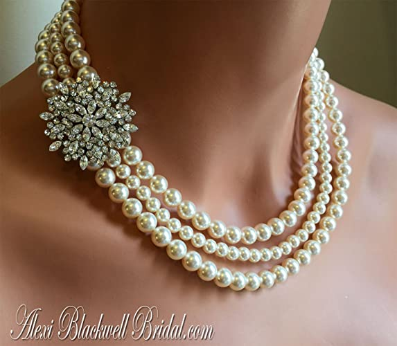 Amazon com: Pearl Necklace with Brooch and Earrings Set