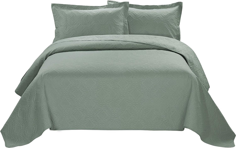 118x106in King, Purple BEDnLINENS 3 Piece ESTANCIA Ultrasonic Embossed Bedspread Set-Oversized Coverlet 100x106in