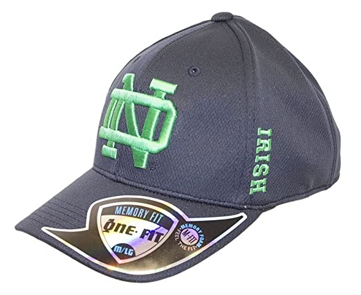 78d912ba6b6 Amazon.com   NCAA Licensed Notre Dame Memory Fit One-Fit Baseball Hat Cap  Lid (Medium Large)   Sports   Outdoors