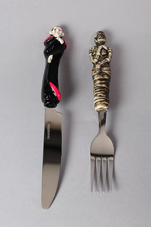 Halloween cubiertos de cuchillo y tenedor en vampiro y ...
