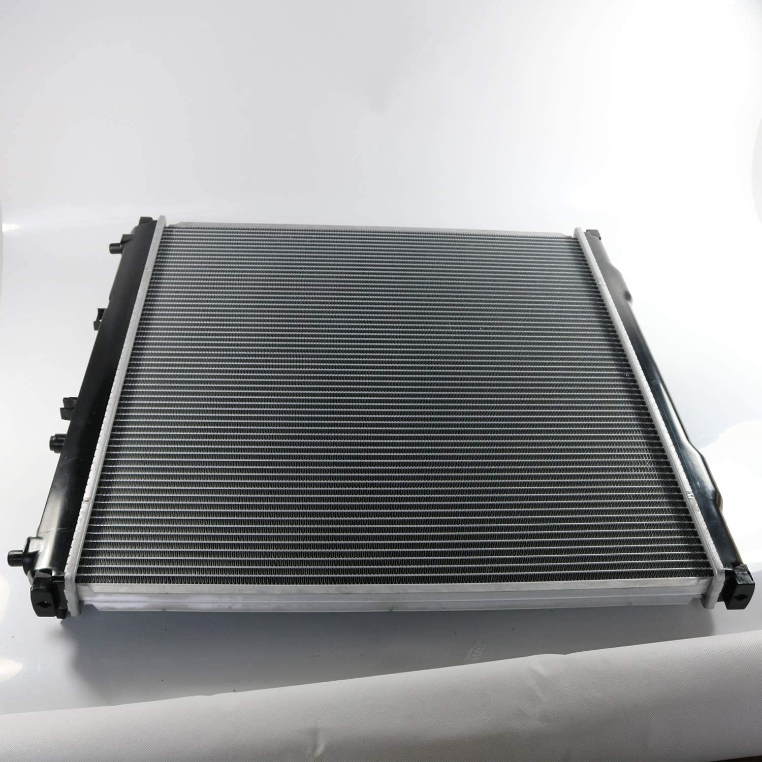 3.5L V6 2004 2005 2585 New Radiator Fits For Kia Sorento Radiator 2003-2006