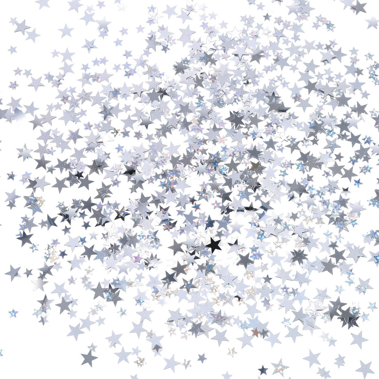 Confeti con forma de estrella y color plateado, dando un efecto brillante.