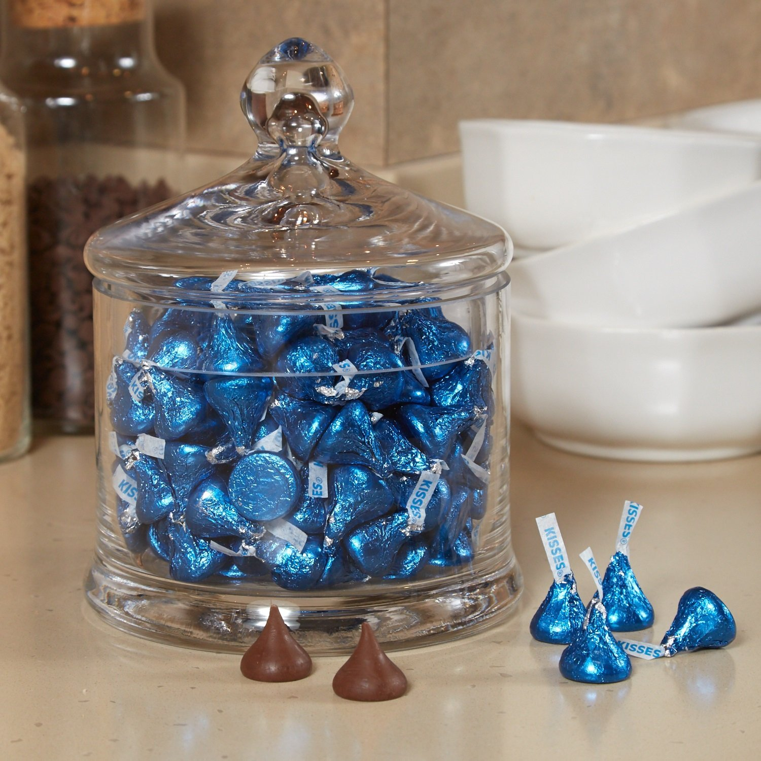 HERSHEY'S KISSES Chocolate Candy, Dark Blue Foils, 4.1lb Bulk Candy, approx. 400 Pieces. Perfect for Graduation and 4th of July Decorations by Kisses (Image #8)