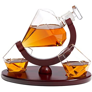 Whiskey Decanter Diamond Shape with 2 Elegant Matching Glasses Mahogany Wooden Tray - Beverage Serveware Dispenser for Spirits, Liquor, Scotch and Cocktails - Impressive Bar Set