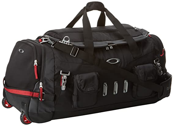 58b360e078 Amazon.com  Oakley Men s Hot Tub Duffel Bag