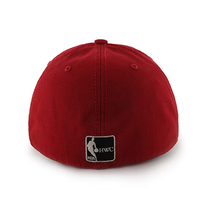 22124e2cc54 Amazon.com    47 NBA Franchise Fitted Hat   Sports   Outdoors