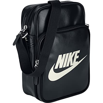 d9f72b5dd6e Amazon.com: Nike Small Shoulder Messenger Bag , Black: Sports & Outdoors