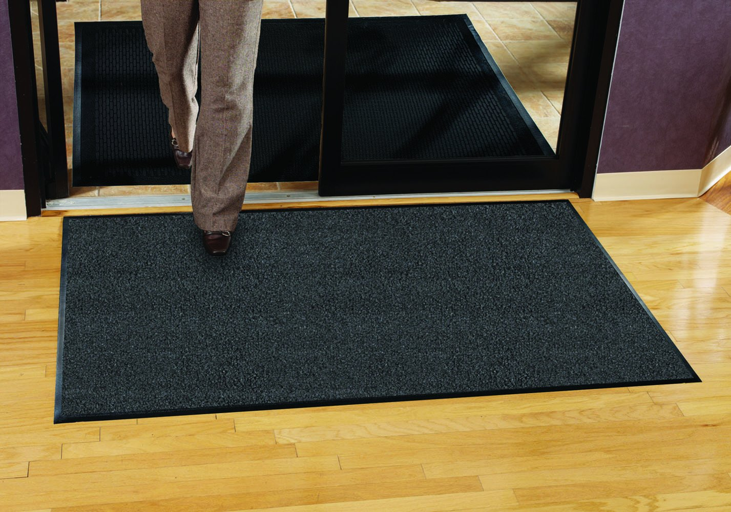 Guardian Platinum Series Indoor Wiper Floor Mat, Rubber with Nylon Carpet, 3'x15', Grey by Guardian (Image #3)