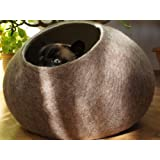 Cat House, Bed, Cave. Handmade. Ecological Sheep Wool. Size XL Large (17-26 pounds cat). Kivikis made.