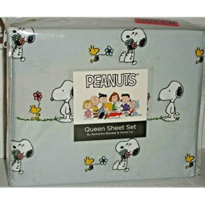 Peanuts Snoopy and Woodstock Spring Flowers Queen Sheet Set by Berkshire Gray: Kitchen & Dining [5Bkhe0300660]