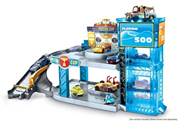 Disney Pixar Cars Florida 500 Racing Garage With Lightning Mcqueen