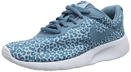 43b956780b185 Amazon.com | Nike Tanjun Print Big Kids | Sneakers