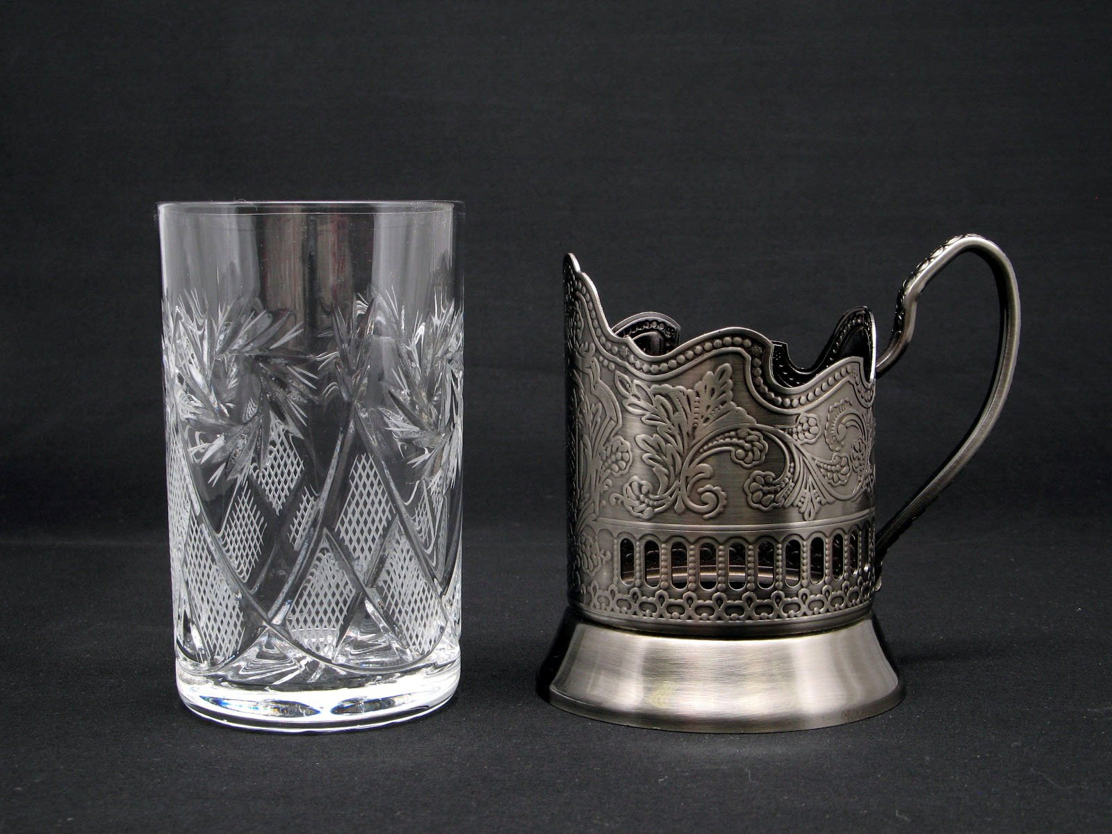 Combination 6 Russian CUT Crystal Drinking Tea Glasses W/metal Glass Holders ''Podstakannik'' for Hot or Cold Liquids by Belarus (Image #4)