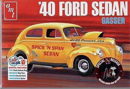 Amazon com: AMT 40 Ford Sedan Unassembled Model Car Kit