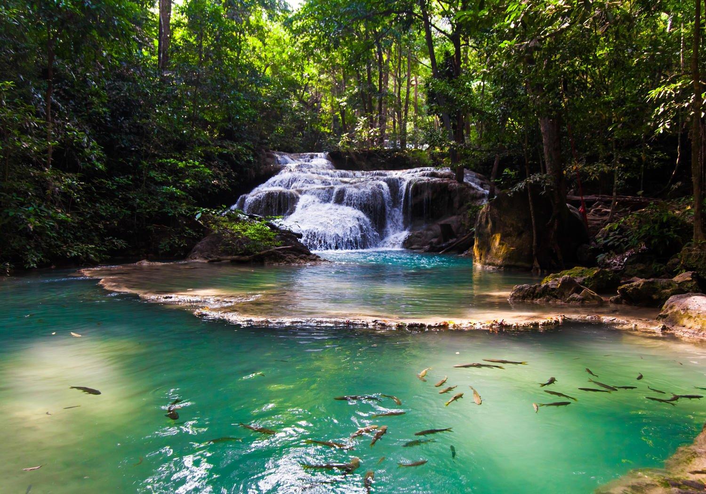 Fototapete Erawan Wasserfall, Thailand XL 350 x 245 cm - 7 Teile Vlies Tapete Wandtapete - Moderne Vliestapete - Wandbilder - Design Wanddeko - Wand Dekoration wandmotiv24