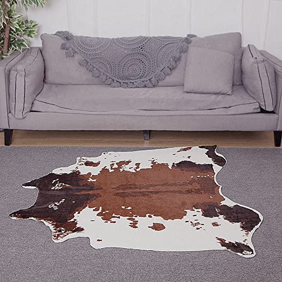 Faux Fur Printed Brown White Cow Hide Area Rug 4.1X4.2 Feet Washable Animal Carpet for Home Office antislip cow print