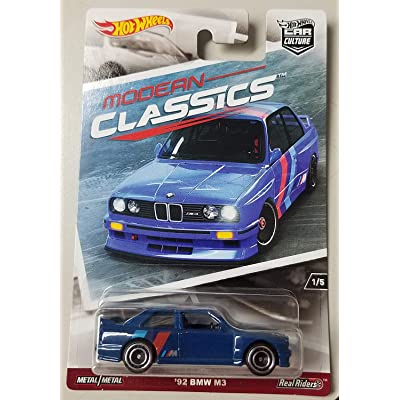 HOT WHEELS CAR CULTURE MODERN CLASSICS BLUE '92 BMW M3 WITH REAL RIDER TIRES: Toys & Games