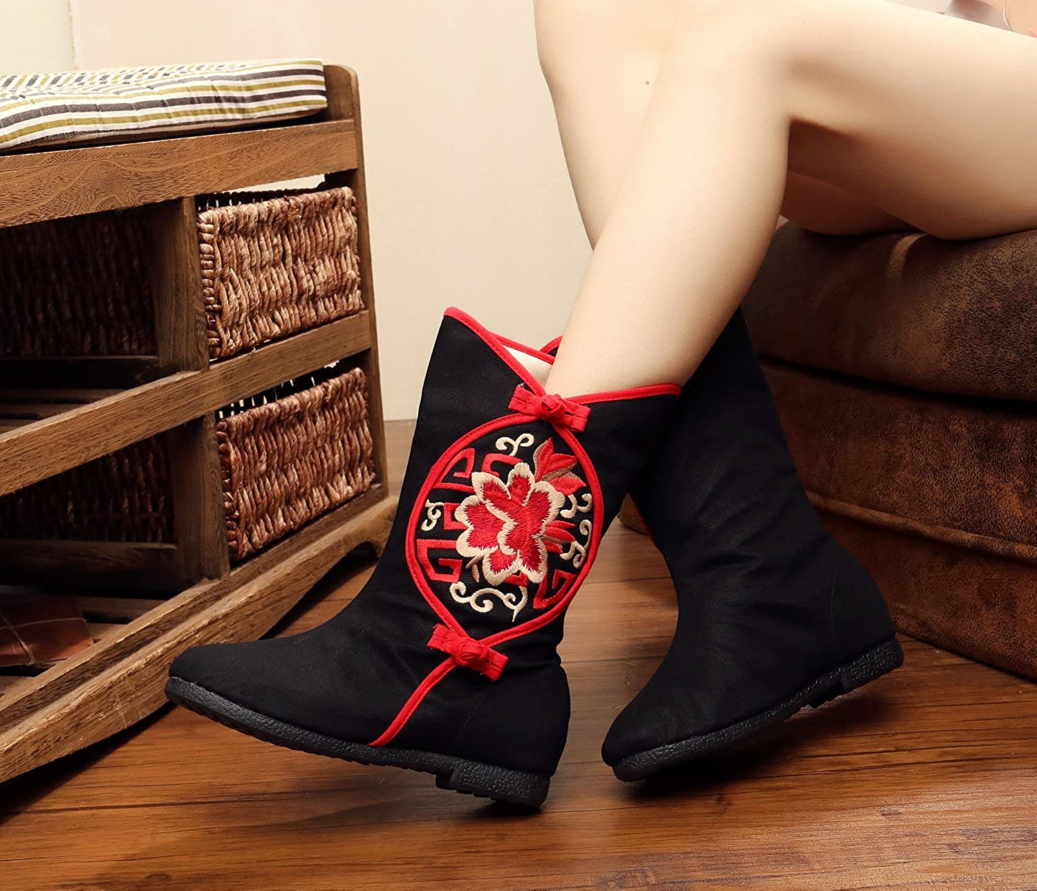 Qhome Womens Retro Paper-Cut Peony Embroidery Sports Fashion Add Wool Warm Ankle Boots Canvas Shoes Black