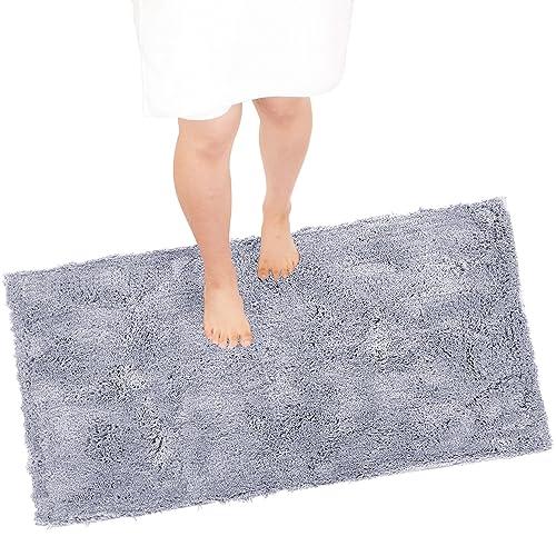 今治独自の基準をクリアした今治認定のバスマットです。約80cm×67cmの大判サイズ。ホテル仕様なシンプルな見た目に、耐久性も問題なし。綿100%で、お風呂上りの足元を優しく包み込んでくれます。