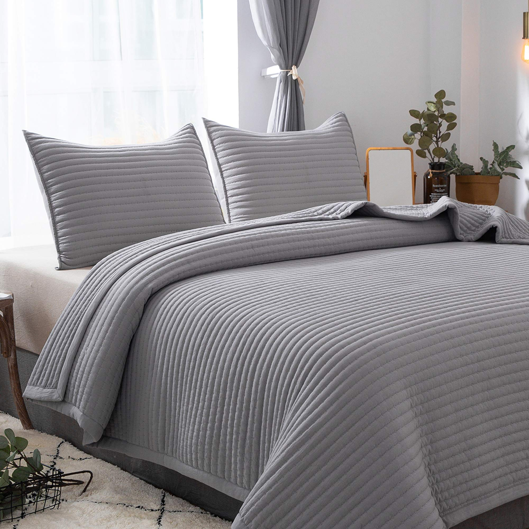 DAWNDIOR Lightweight Thin Quilted Comforter,Multipurpose for Quilt Bedspread Blanket with Luxurious Down Alternative Filling,Super Soft Fabric and Neoclassical Solid Design with 2 Shams