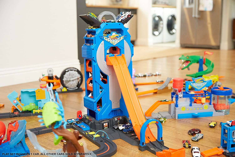 Hot Weels Garage : Amazon mattel hot wheels mega garage play set toys games