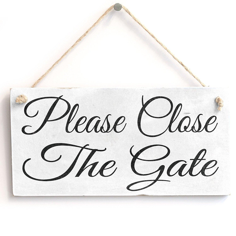 Ideal Gift or Otudoor Decor Cast Iron Secret Garden Sign Stylish Oval Plaque