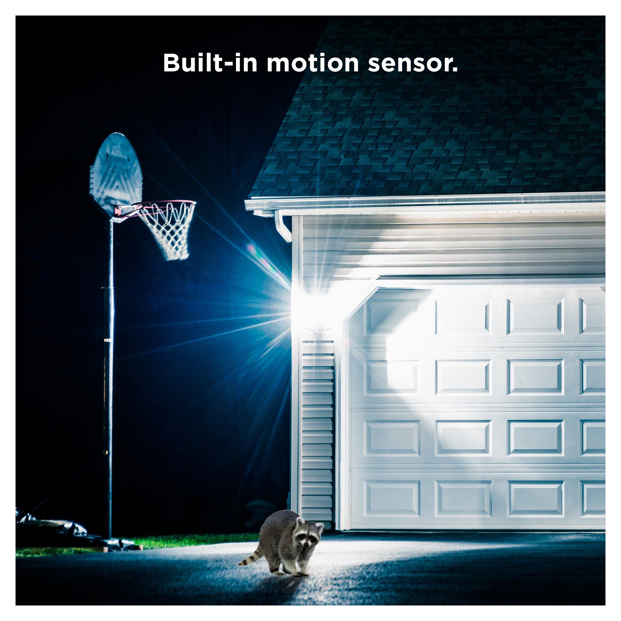 Sengled LED Flood Light with Motion Sensor & Daylight Sensor, Smart LED Light Bulb PAR38, Dusk to Dawn Bulb, Waterproof 3000K for Outdoor Use, 2 Pack by Sengled (Image #5)