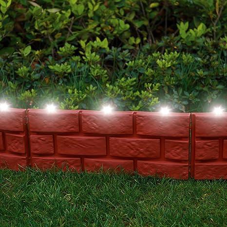 Mattoni Per Recinzione Giardino.Parkland Recinzione Per Giardino Istantanea Effetto Mattoni Con Luci Solari Led Da Martellare