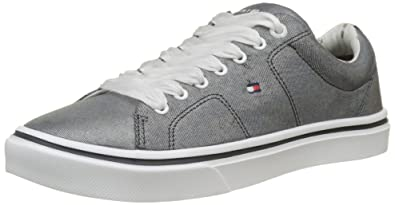 0275c0789dda5 Tommy Hilfiger Women s Metallic Light Weight Lace up Low-Top Sneakers