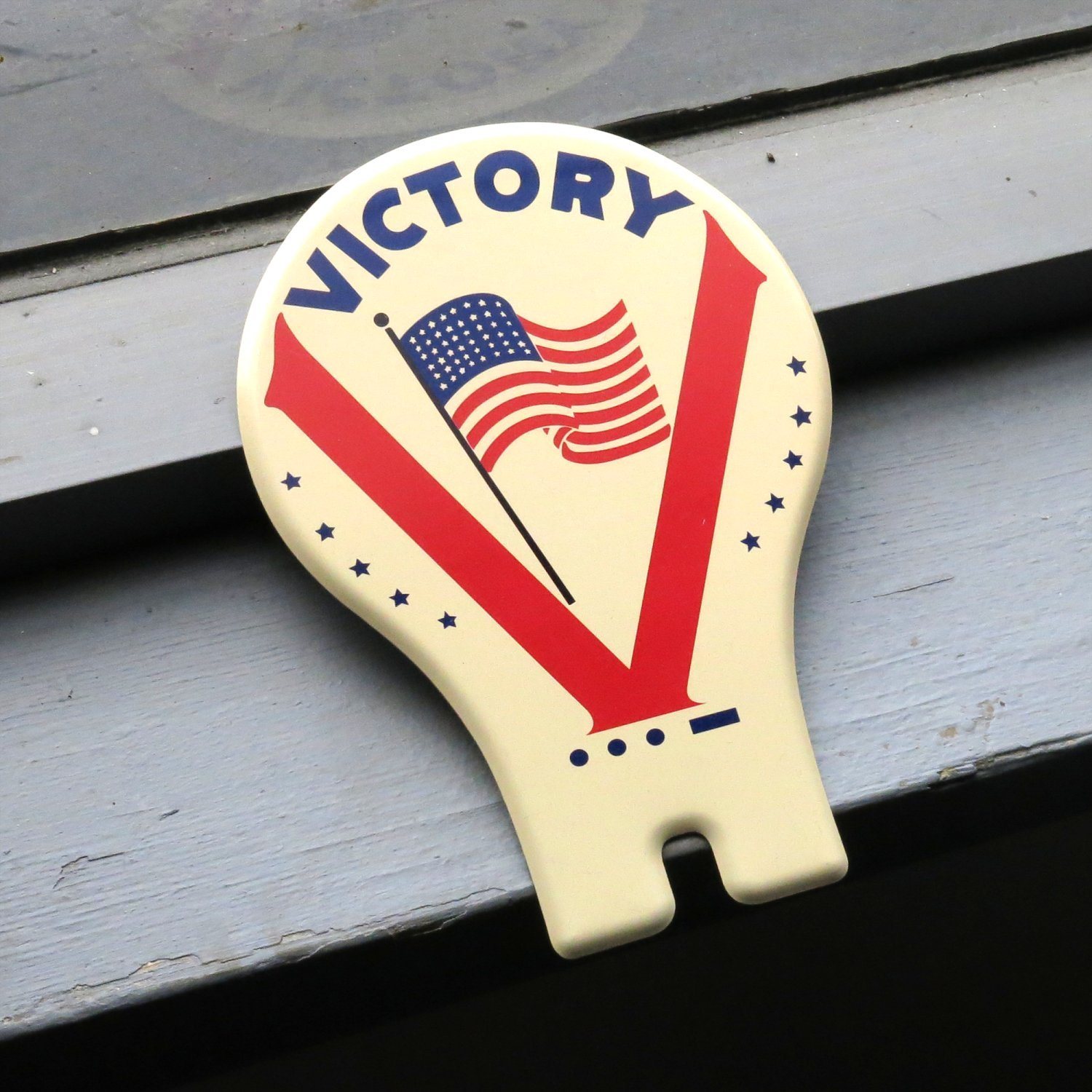 Vintage Parts 315502 WW2 Victory License Plate Topper